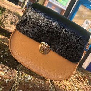 Handbags - 🎻Nude & Black Colorblock 🎻